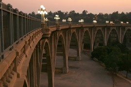 Colorado Street Bridge: Pasadena's Suicide Bridge